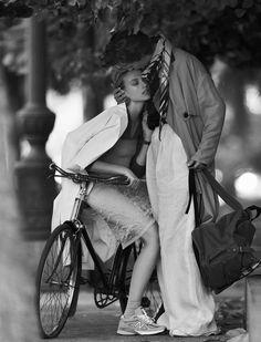 Alvaro Beamud Cortes Captures Sophia Ahrens In 'Entre Tu Y Yo' For Vogue Spain February 2018 — Anne of Carversville Fashion Brand, New Fashion, Autumn Fashion, Bike Fashion, Editorial Photography, Fashion Photography, Vogue Spain, Bike Style, Old Hollywood Glamour