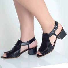 Este posibil ca imaginea să conţină: pantofi Comfy Shoes, Comfortable Shoes, Slingback Shoes, Shoes Sandals, Bridal Shoes Wedges, Types Of Sandals, Retro Shoes, Shoe Show, Low Heels