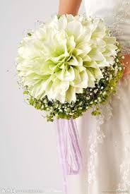 Znalezione obrazy dla zapytania bukiet ślubny z drobnych kwiatków