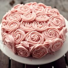 A classic sponge cake with cream cheese rose frosting. Perfect for birthdays! (Recipe in German)