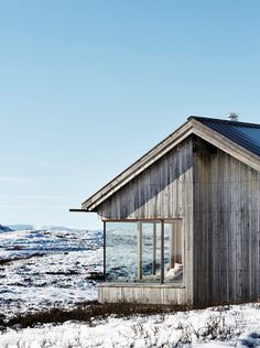 Mountain cabin in Reineskarvet, Norway Taktile arkitekter Torbjørn Tryti Architecture Durable, Interior Architecture, Ideas Cabaña, Cabins And Cottages, Log Cabins, Cabins In The Woods, Exterior Design, Grey Exterior, Tiny House