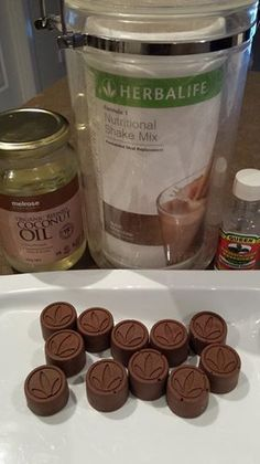Herbalife chocolate recipe -- coconut oil and chocolate shake mix (super easy) Herbalife Dieta, Herbalife Meal Plan, Herbalife Tips, Herbalife Protein, Isagenix, Herbalife Sport, Herbalife Nutritional Shake, Nutritional Shake Mix, Protein Shake Recipes