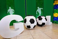 Soccer Birthday Parties, Football Birthday, Soccer Party, Birthday Party Decorations, Soccer Ball, Party Themes, Football Themes, Football Soccer, Bar Mitzvah Decorations