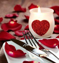 Oque mais pode estar tão associado ao dia dos namorados quanto um jantar romântico regado a boa comida e um bom vinho?E quandochega na hora e a gente não faz ideia de onde comemorar?Pensamos nos lugares mais românticos para dar essas dicas mais que especiaissobre onde comemorar o Dia dos…