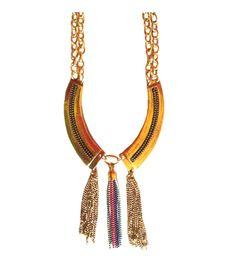Collar Diseño étnico. Esta primavera 2013 nos llega con estilos étnicos y aztecas. Descubre más tendencias en http://AllTrendy.es
