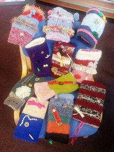 Gloucestershire Libraries customers are creating Twiddlemuffs to give to people affected with dementia. They have a proven calming effect - libraries help you feel better!