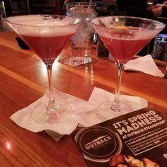 BLACKBERRY MARTINI - Outback has the best #blackberry #martini. #Yummy on this #stPatricksDay . . #stpattysday #kegsandeggs #drinks #shots #shotsshotsshots #booze #liquor #steak #irish #vodka #tequila #rum #beer #greenbeer #bourbon #whiskey #moonshine #party #bar