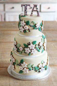 We loved creating this rustic and floral #wedding cake. From #traditional white tiered cakes to something a little more adventurous, you'll work with our designers to create something truly bespoke and personal to you.