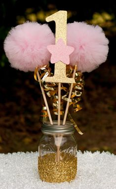 Twinkle Twinkle Little Star Party Pink und Gold Herzstück Tischdekoration Gold First Birthday, Baby Girl 1st Birthday, Baby Girl Birthday, Unicorn Birthday Parties, First Birthday Parties, Birthday Ideas, Pink And Gold Birthday Party, Cake Birthday, Birthday Outfits