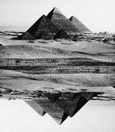 egypt. pyramids. black and white photograph.   RP » //
