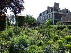 Hillside garden: The Secret Gardens of Sandwich, Kent, GB