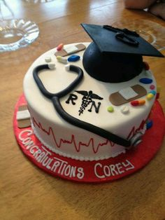 cake for graduating nursing school. Nursing Graduation Cakes, Nurse Grad Parties, Nurse Party, High School Graduation Gifts, Super Torte, Doctor Cake, School Cake, Retirement Cakes, Creative Cakes