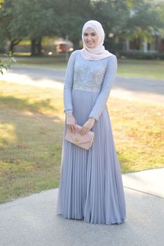 pleated pastel dress, leena asad, Classy hijab outfits http://www.justtrendygirls.com/classy-hijab-outfits/