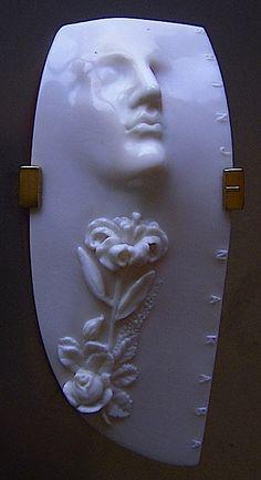 SHINJI NAKABA: 'Man Dreaming', brooch.  Carved seashell 18kgold , 2011.