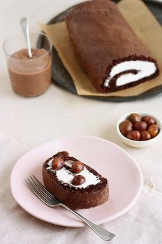 A Lotta Chocolate Part Chocolate Cake Roll with Chestnut Cream Chocolate Roll Cake, Cocoa Cake, Chocolate Sponge Cake, Chocolate Chocolate, Types Of Sponge Cake, Sponge Cake Roll, Chestnut Cream, Sweet Chestnut, Cake Recipes