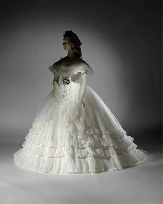 Cotton wedding ensemble (French), Not on display at Metropolitan Museum of Art. Vintage Gowns, Vintage Outfits, Vintage Clothing, Vintage Bridal, Dress Vintage, Vintage Weddingdress, Victorian Fashion, Vintage Fashion, Victorian Era