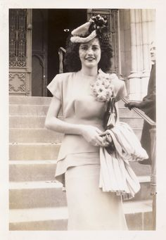 What a charming beauty! #1940s #woman #hat #dress