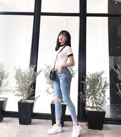 ideas for clothes korean casual street styles Korean Girl Fashion, Korean Fashion Trends, Korean Street Fashion, Korea Fashion, Asian Fashion, Ulzzang Fashion Summer, Korean Fashion Summer Casual, Korean Casual Outfits, Simple Outfits