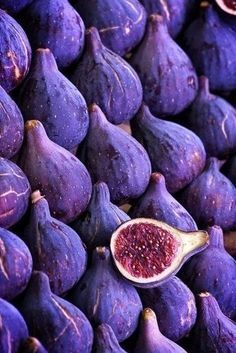 purple food photography with figs
