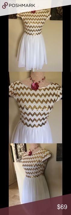 White & Gold Chevron Dress White & Gold Chevron Dress EUC Size 3/4 B Darlin Dresses