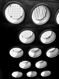 #trou #hole Looking up: concrete in Paris. www.LukasMachnik.com