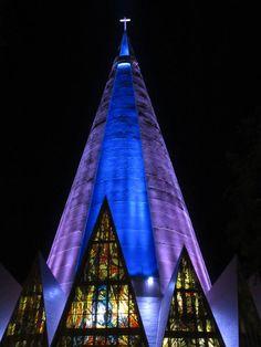 Catedral Basílica Menor de Nossa Senhora da Glória - Maringá/Paraná/Brasil.  O maior monumento religioso da América Latina.