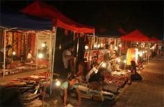 Visitors to Luang Prabang City in Laos are attracted not only by the pagodas and Royal Palace, but also the night market. The market is sometimes busy and noisy, in contrast to the dreamily tranquil atmosphere of Luang Prabang City, a UNESCO World Heritage Site.