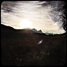 Watching the sun set. #soultravels #outdoorgirl #adventuregirl #wanderlust #mindful #forevercurious  #munichandthemountains