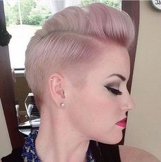 Haircut and dusty pink and lilac hair color: Short and Sweet! Haircut and dusty pink and lilac hair color: Girl Short Hair, Short Hair Cuts For Women, Short Hair Styles, Pixie Haircut 2016, Short Pixie Haircuts, Mohawk Hairstyles, Great Hair, Hair Dos, New Hair