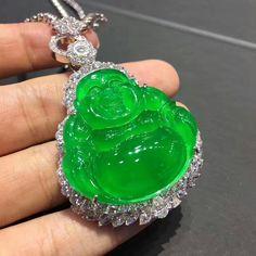 @margueritecaicai. #Jade #jadeite #diamonds #jewellery Buddha Jewelry, Jade Jewelry, Imperial Jade, Antique Jade, Jade Stone, Jade Pendant, Gemstone Rings, Quartz, Pleated Skirts