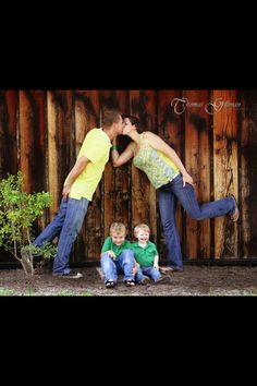 Cute outdoor family pictures!!