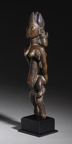 FINE YORUBA MATERNITY FIGURE, NIGERIA, Bonhams : Fine African, Oceanic and Pre-Columbian Art