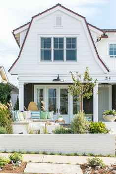 House Tour: Charming in Corona Del Mar
