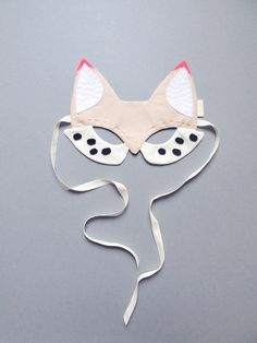 Fox mask, white with bright pink details