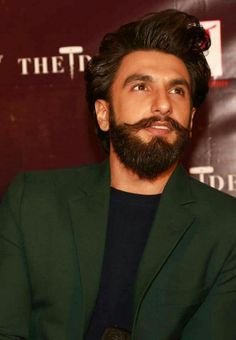 Ranveer singh new look hd wallpaper Indian Celebrities, Bollywood Celebrities, Bollywood Actress, Ranveer Singh Beard, Deepika Ranveer, I Love Beards, Beard Boy, Hot Asian Men, Indian Star