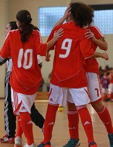 BENFICA GLORIOSO...: Final foi em Oliveira de Azeméis Benfica – Qta. Lombos, 5-0: Futsal feminino conquista Taça