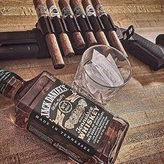 CigarsandGuns — Ultimate cigar holder | @christbearer_of_arms...