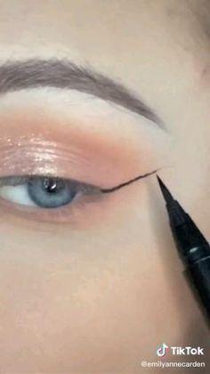 Makeup Eye Looks, Eyeliner Looks, Eye Makeup Art, No Eyeliner Makeup, Blue Eye Makeup, Makeup Trends, Makeup Inspo, Beauty Hacks Dark Circles, Winged Eyeliner Tutorial