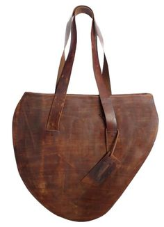 ..great and so original bag that you obviously don't find the day you go shopping with the budget for a bag. !
