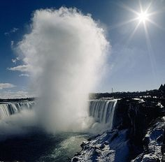 Niagara Falls Winter Mist