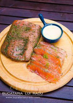 Gravlax de somon proaspat, reteta gata in 24 de ore. Gravlax Recipe, Salmon, Seafood, Steak, The Cure, Turkey, Fish, Homemade, Recipes