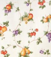 Diseño de frutas en este papel pintado de la colección Little Garden de Limonta.