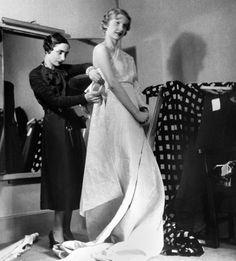 Madame Grès draping a dress, photographed by Boris Lipnitzki, ca. 1935