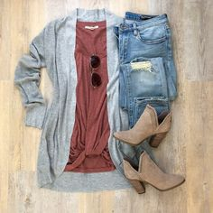 A New Day cocoon cardigan, Express One Eleven twist hem tee, Vince Camuto booties, BlankNYC jeans Source by winter outfits Outfit Jeans, Cardigan Outfits, Light Jeans Outfit, Jeans Dress, Mode Outfits, Jean Outfits, Casual Outfits, Fashion Outfits, Dress Casual