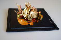 Plato cuadrado antigoteo #platos #pizarra #ardoise #slate #decoración #deco #cuisine #interior #food #kitchen #entrantes