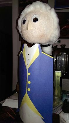 Sons George Washington biography bottle for school. Social Studies Projects, Teaching Social Studies, School Projects, Projects For Kids, George Washington Biography, Bottle Buddy, Biography Project, Kids Homework, Pop Bottles