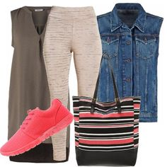 A scuola  outfit donna Urban per scuola universit  e tutti i giorni  643ad02f2d7