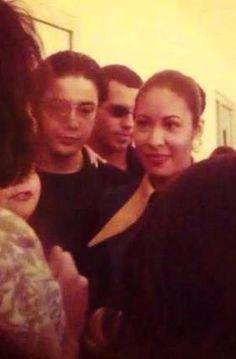 Selena with Chris <3