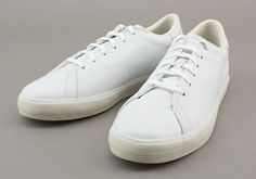 Rod Laver 'clean pack' might be the first pair of Adidas that I've actually wanted in years.