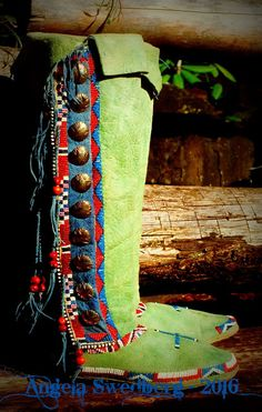 Reposting some photos of moccasins I have made over the previous 25 years. Some of the photos are less than optimal - as back then I di. Moccasins Outfit, Baby Moccasins, Native American Artifacts, Native American Beading, Beaded Moccasins, Leather Moccasins, Native American Moccasins, Santa Boots, Moccasin Boots